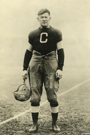 Jim Thorpe spielte in den 1920er Jahren als die Statistiken, die Zahlen im Football noch keine große Rolle spielten
