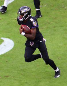 Quarterback Lamar Jackson von den Baltimore Ravens ist ein hervorragender Läufer.